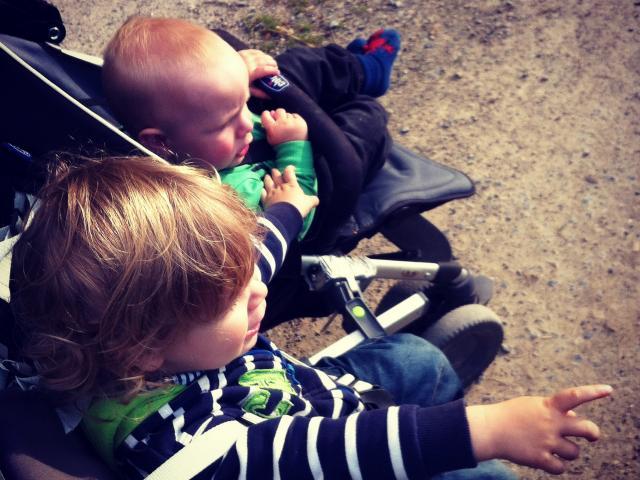 Geschwister ganz nah: Geringer Altersabstand