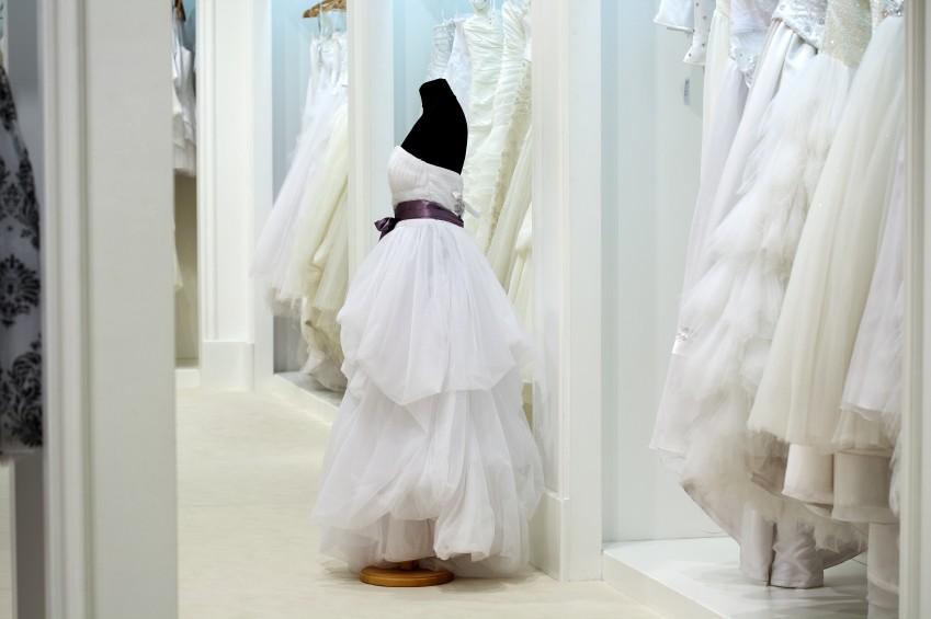 Ein Traum in Weiß: Auf der Suche nach dem Hochzeitskleid