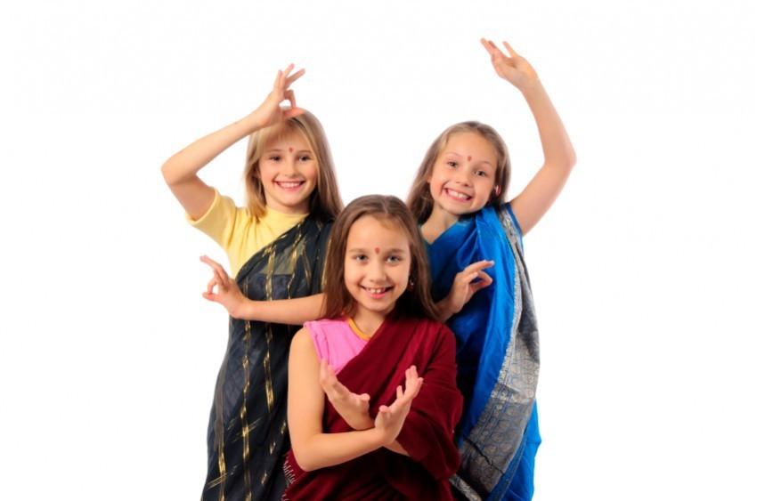 Mädchen als Inderinnen verkleidet