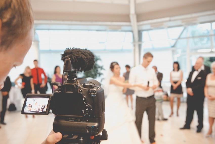 Bewegte Erinnerungen: Tipps für ein gelungenes Hochzeitsvideo