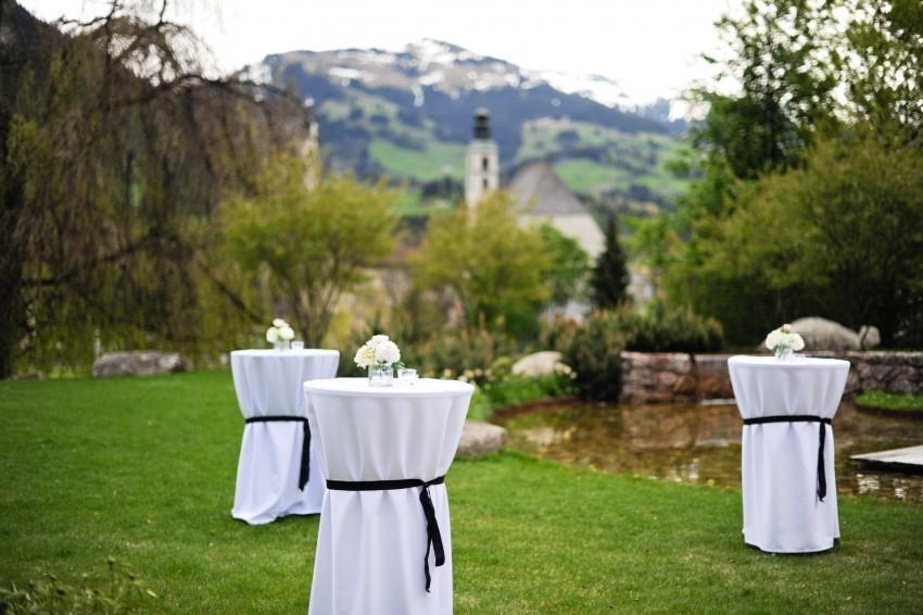 Vom Hotel Kitzhof genießen sie und ihre Hochzeitsgäste einen atemberaubenden Blick auf die Alpen.