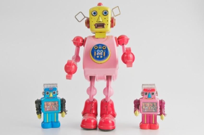 Rosa Mamaroboter mit Roboterkindern