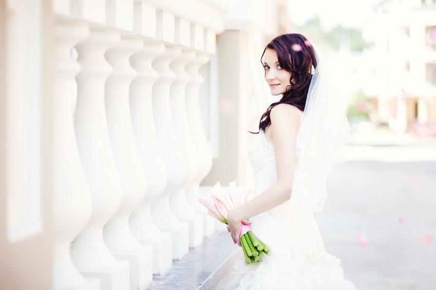 Das Kleid ist neben dem Bräutigam der wichtigste Bgleiter einer Frau an ihrem Traumtag.