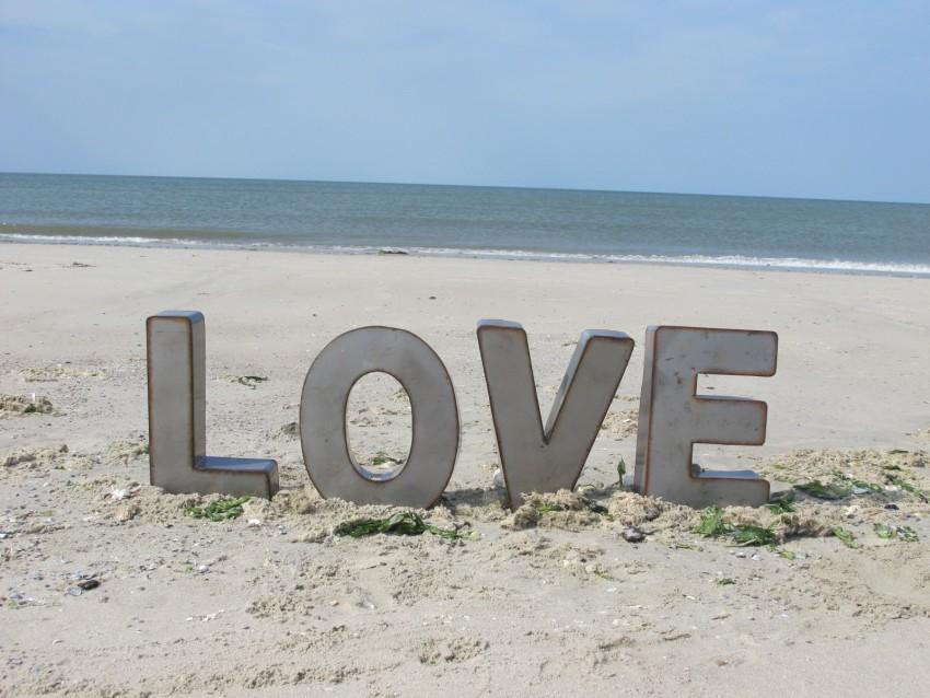 Love am Strand. Die richtige Stimmung für eine Hochzeit.