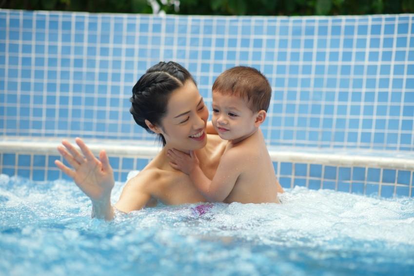So ein Whirlpool macht auch den Kleinen Spaß.