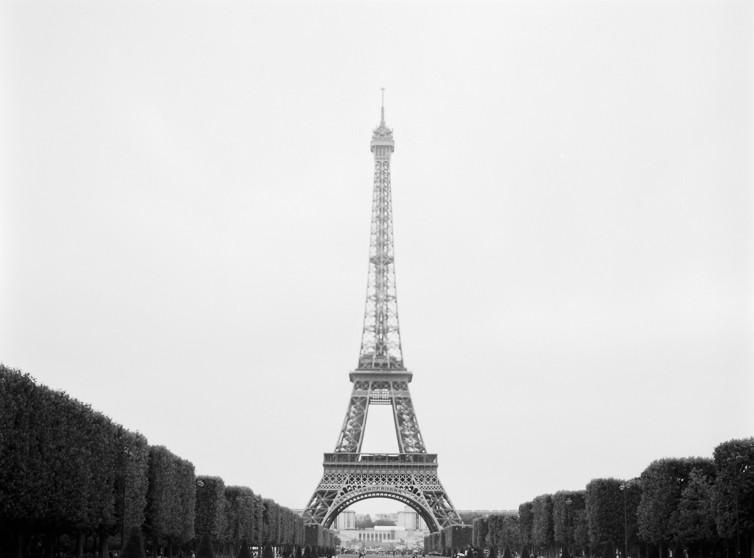 Eiffelturm ohne Paar