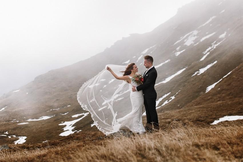Hochzeitsinspiration-Brautpaarshooting im Wind