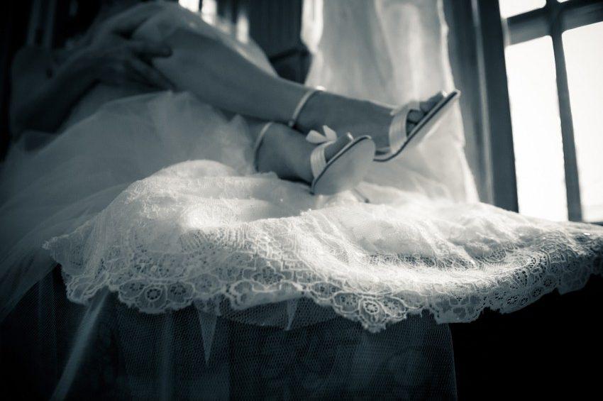 Schuhe und Outfit Vintage-Hochzeit