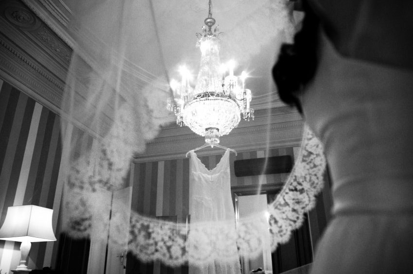 Seidenoutfit Vintage-Hochzeit