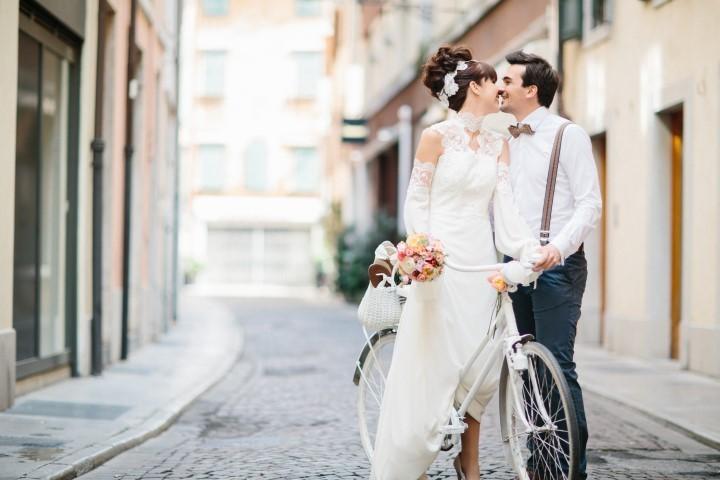 Mit dem Fahrrad zum Hochzeitsfest