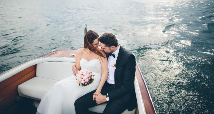 Mit dem Boot zur Hochzeitsfeier