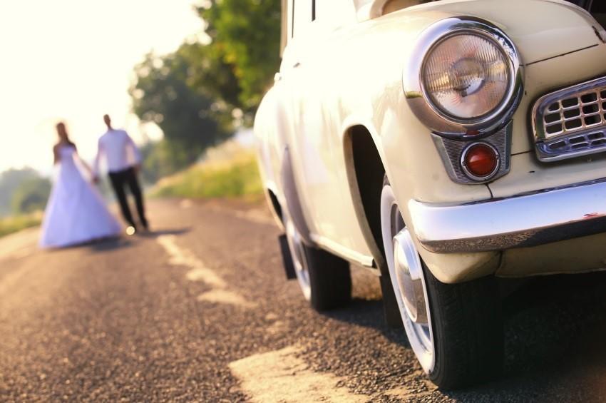 Mit dem Auto zur Hochzeit