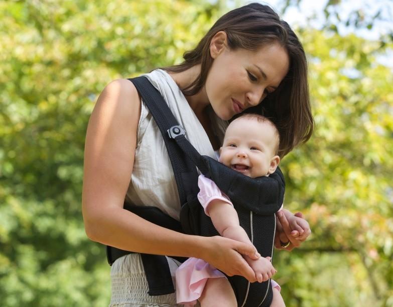 Mutter und Kind Babytrage