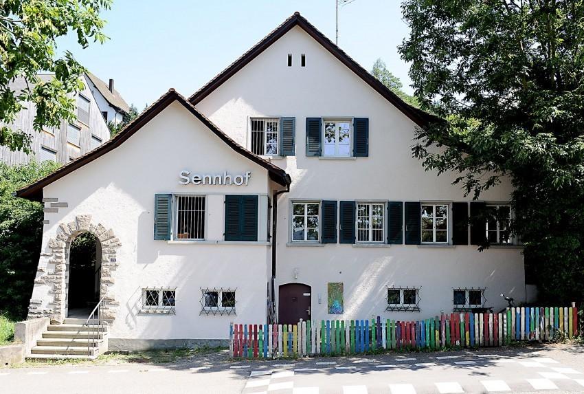 Gebäude der Bildungskrippe Sennhof
