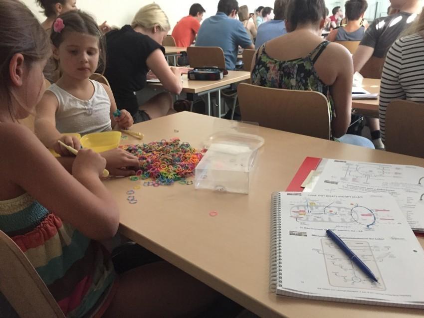 Studieren mit Kind – Erfahrungen zweier Bloggerinnen