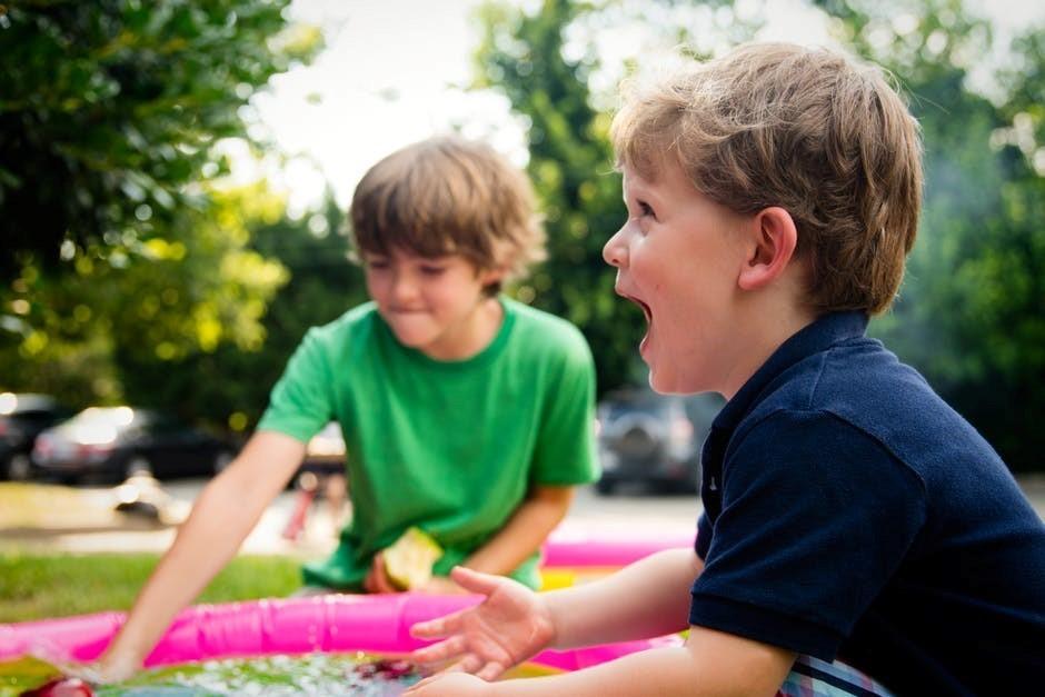Osterferien Kinder beim spielen