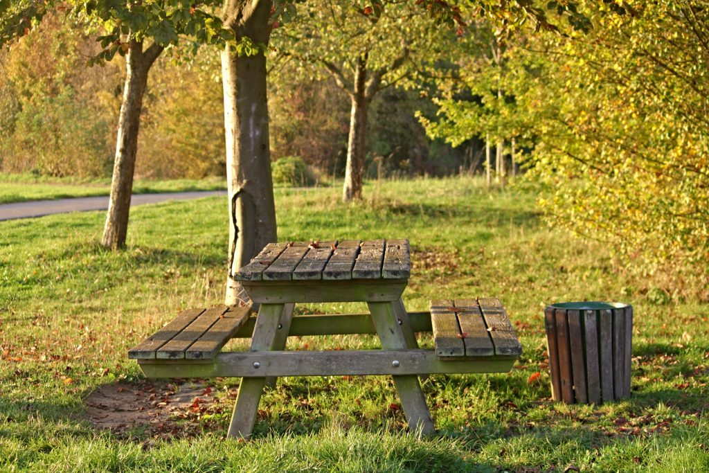 Picknick Bank im Herbst