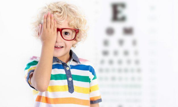 Sehbeschwerden bei Kindern frühzeitig erkennen und behandeln